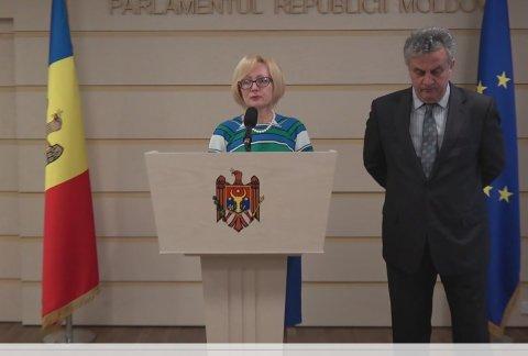 Вопреки заявлениям Додона, фракция ПКРМ поддерживает инициативу об отставке правительства Филипа
