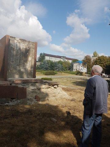 Владимир Воронин: акт вандализма в отношении памятника Ленину в Фалештах требует тщательного расследования.