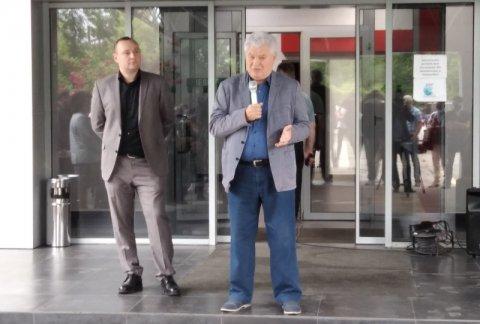 В рамках предвыборной кампании состоялась встреча представителей «Красного блока» с трудовым коллективом предприятия «Glass Container Company».